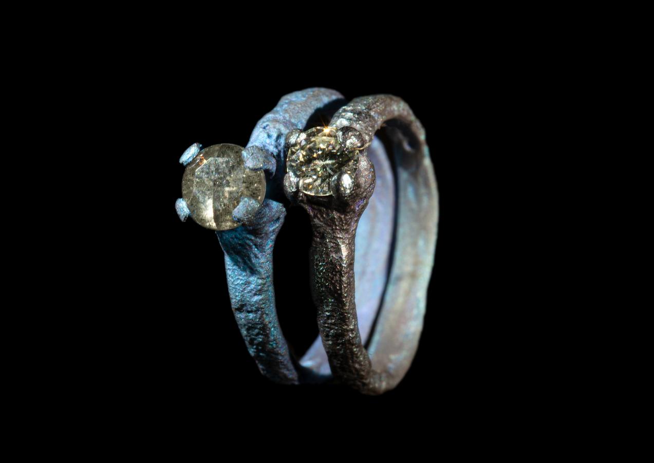 Solitari in titanio e diamanti