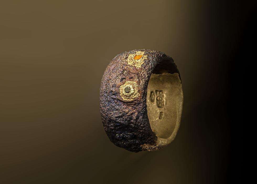 anello in titanio e oro.png