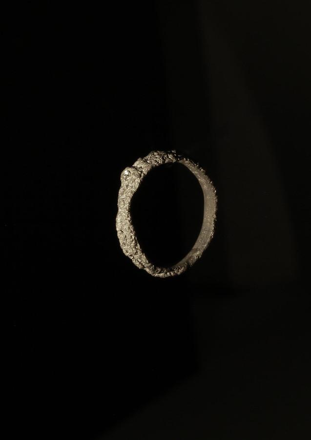 Fedina in oro muto e diamante