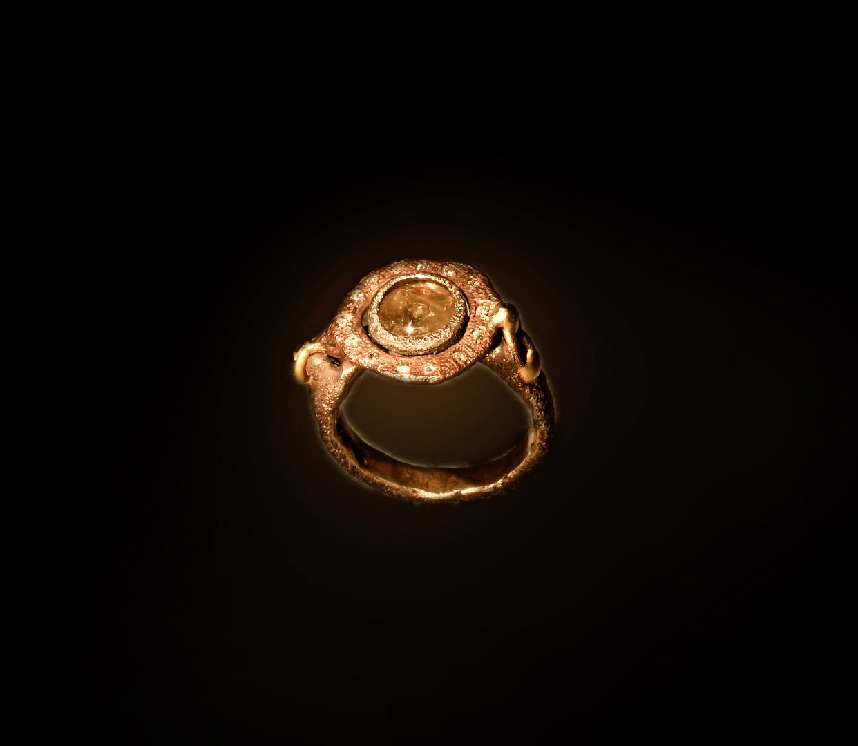 Anello in argento, bronzo, oro e diamanti