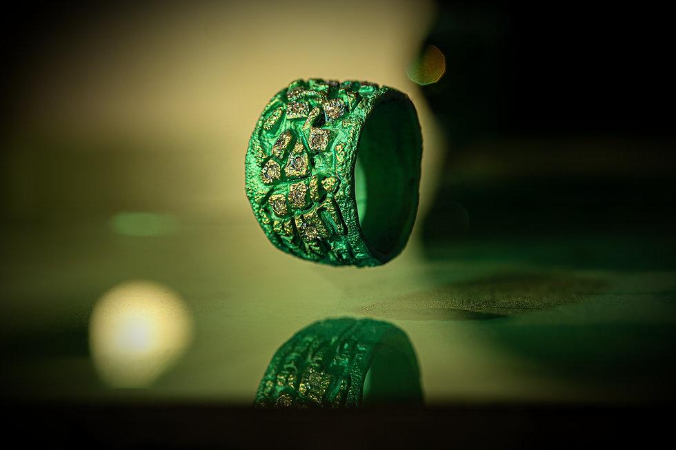 titanio pave verde.jpg