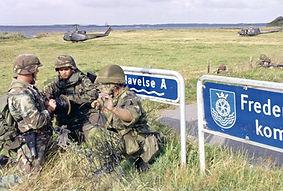 Amerikanske, tyske og danske soldater på øvelse ved Havelse på Sjælland, 1988