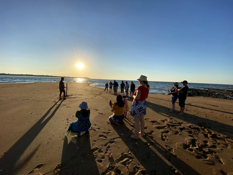 Hervey-Bay-Sunset-Cruise-Indigenous-expe