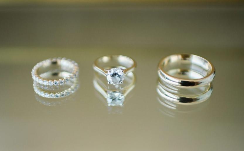NY Style Classic Peony Wedding | Rings