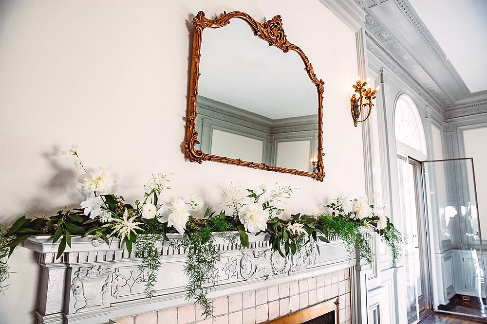 Mantle flower decoration at Eolia Mansion