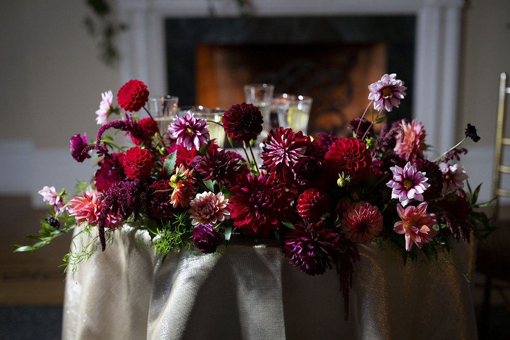 Sweetheart table flowers at Wadsworth Mansion