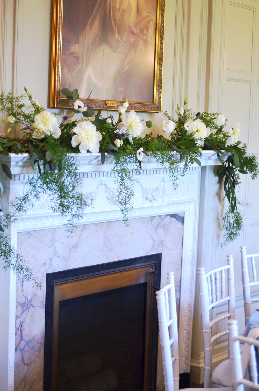 Mantle flower decoration at Eolia Mansion, Harkness State