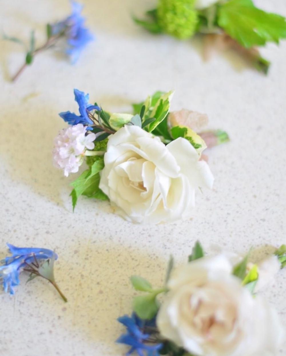 Spray rose boutonnieres