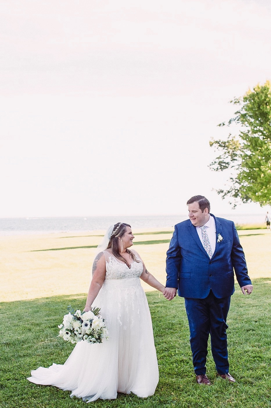 Dreamy White Peony Wedding at Eolia Mansion, Harkness State