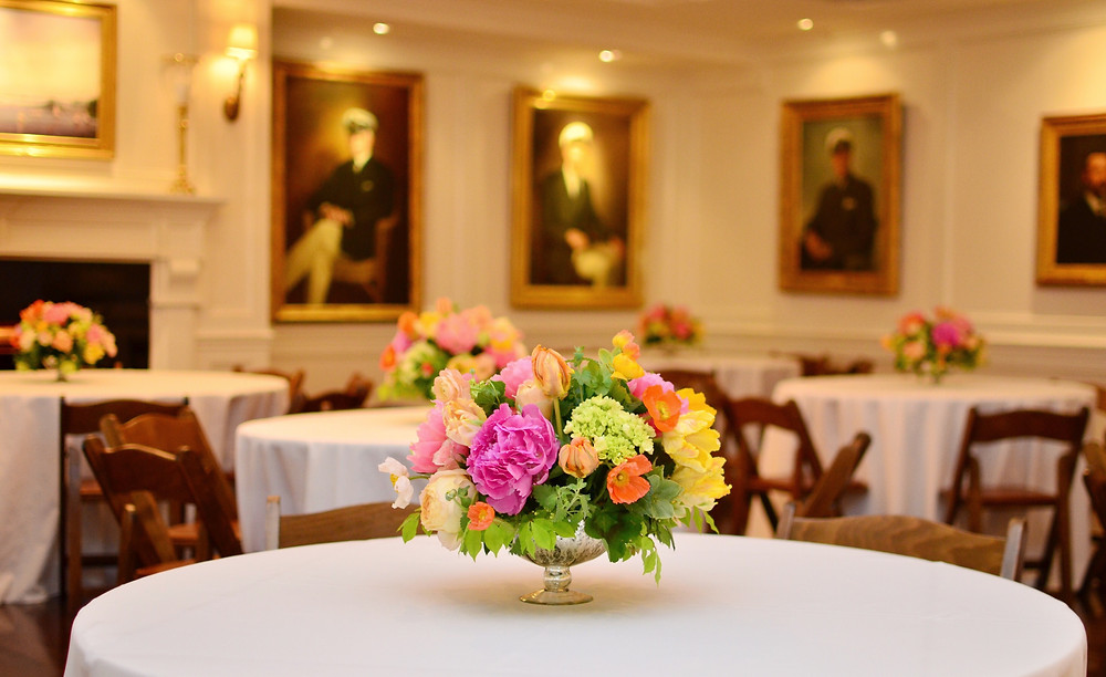 ​Cheerful Wedding at Riverside Yacht Club in Greenwich | Centerpieces