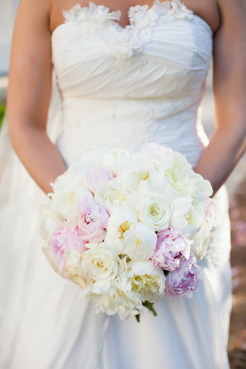 Classic style wedding bouquet at Wadsworth Mansion