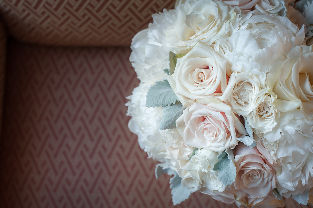 Classic style wedding bouquet at Amarante's Sea Cliff