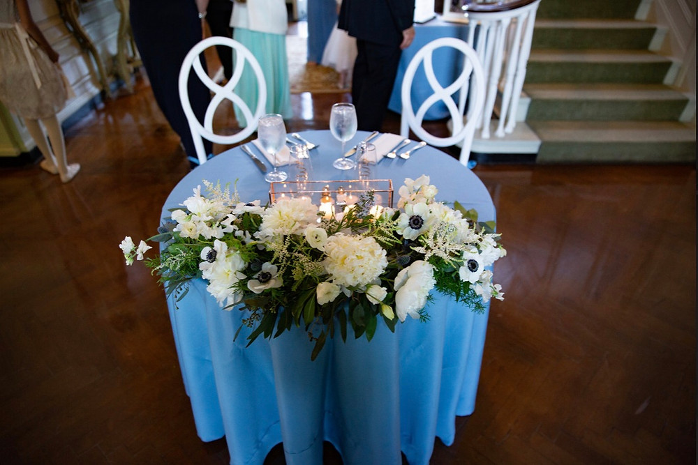 Sweetheart table flowers at Eolia Mansion, Harkness State