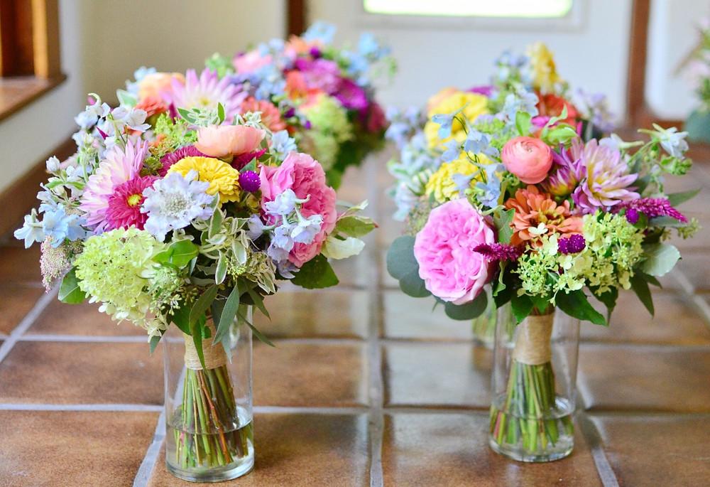 Bridesmaids' bouquets, Photo by Koko