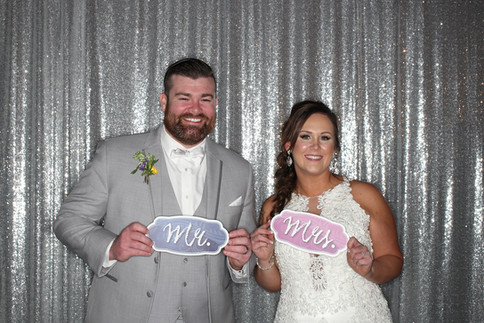 Dallas wedding with photo booth