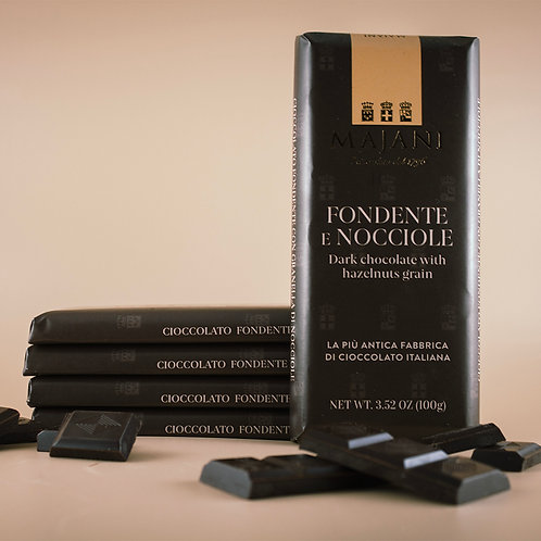 Tavoletta di Cioccolato Fondente 52% e Nocciole 100g
