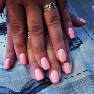 manicure pink con semipermanente centro