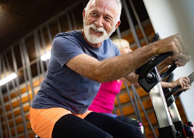 rsz_happy-senior-people-doing-exercises-