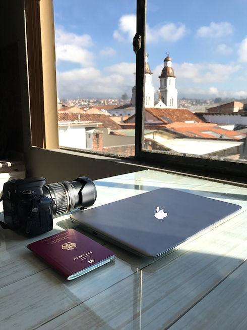 canon laptop cuenca apartment.jpg