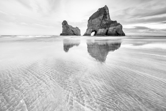 BW005 The Rocks and Sands.jpg