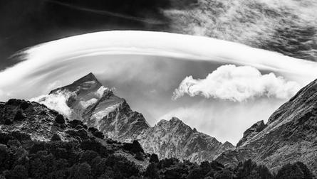 Aoraki in the Jetstream  High winds rush over the Southern alps' highest peak, Aoraki Mt Cook  BW013