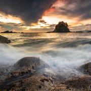 Kaiteriteri Sunrise - Torlesse Rock, Little Kaiteriteri