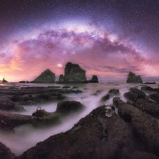 Milky Way and the reef  Taken at Motukiekie rocks