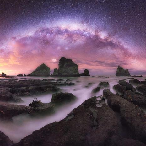 Milky Way and the reef  Taken at Motukiekie rocks
