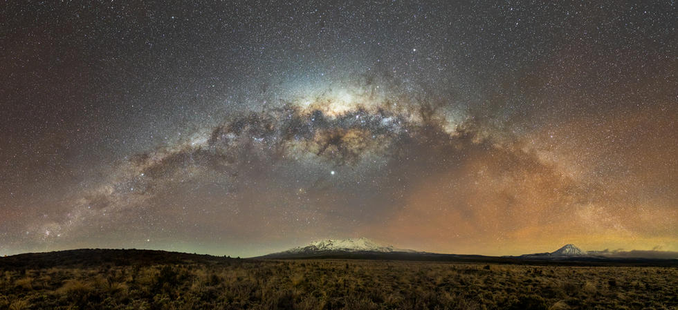 The desert road, Rhuapehu and Tongariro