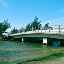 Ponte_sobre_o_Canal_da_Barra_do_Camacho_