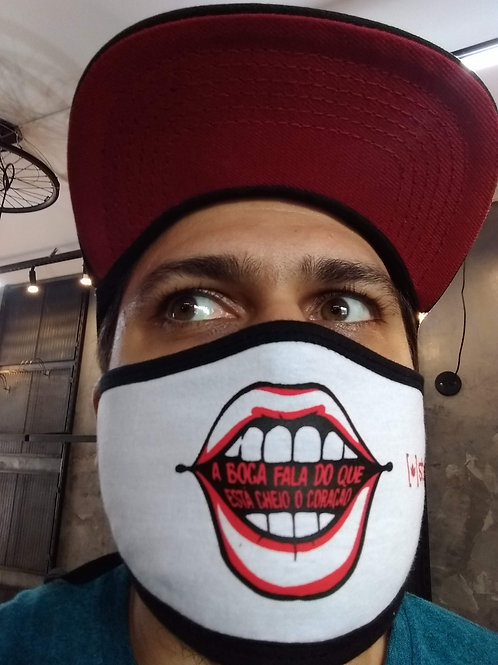 A boca fala  | máscara