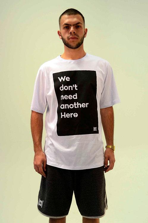 Nosso Herói | Camiseta Tradicional
