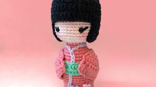 Haru, the Kokeshi Doll (Free Pattern)