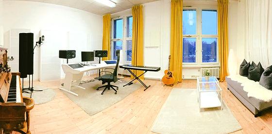 Studio4_22.6_edited.jpg