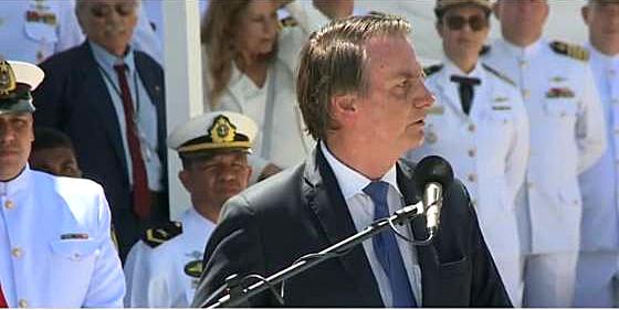 Interpretação de fala do presidente Bolsonaro sobre democracia e forças armadas causa nova polêmica