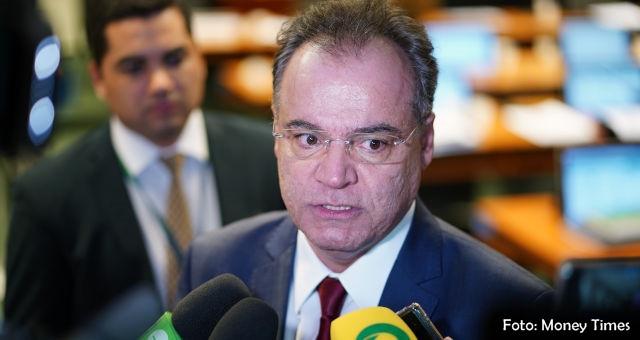 Relator da Reforma da Presidência retira Estados e Municípios