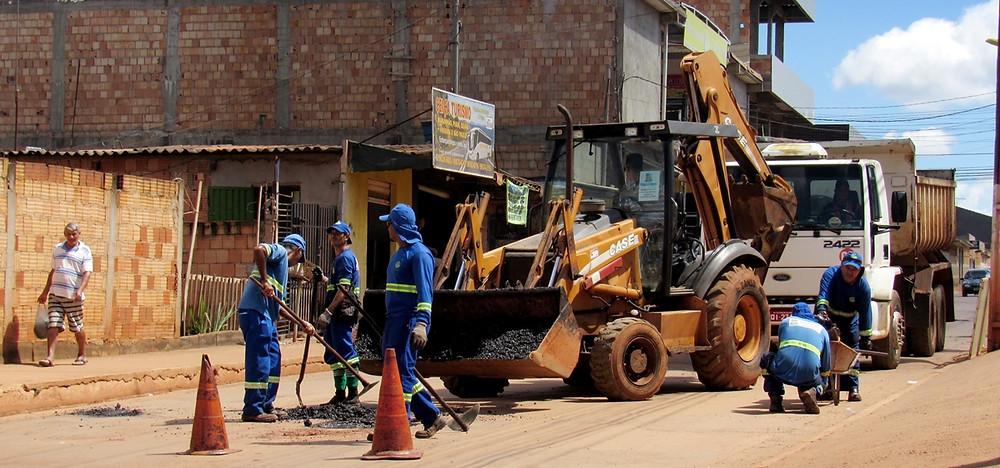 Moradores do Setor de Chácaras Anhanguera recebem uma Ação Coletiva da Prefeitura de Valparaíso