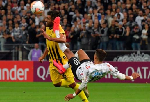 Corinthians vence mas é eliminado da Libertadores