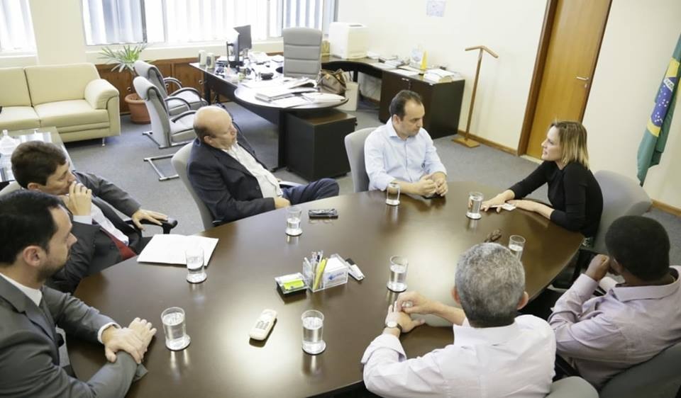 Acompanhado do deputado federal Célio Silveira, Pábio Mossoró vai à ANA (Agência Nacional de Águas) em busca das licenças ambientais para a construção da ETE do Complexo Anhanguera