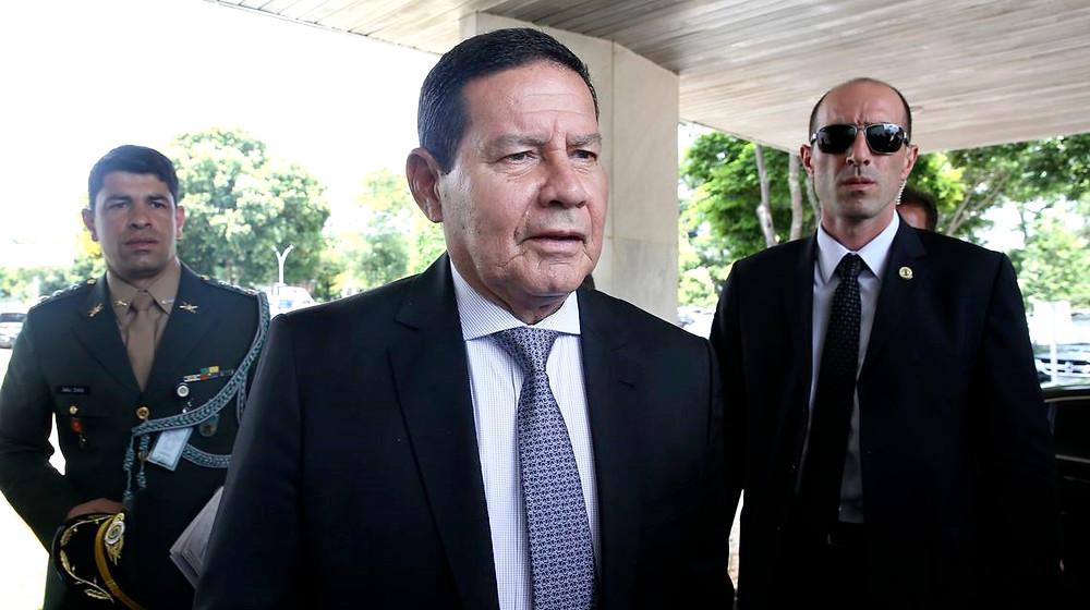 Governo Bolsonaro aumenta possibilidades de sigilo em documentos públicos e deputada Leda Borges critica