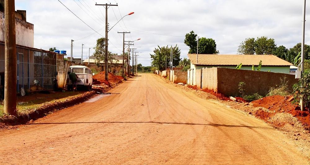 Após obras para captação de águas pluviais, avenida principal do Pacaembu começa a ser preparada para asfalto novo