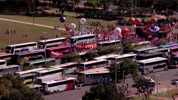 mais de 800 ônibus somente da Força