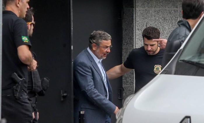 Moro condena Palocci a 12 anos de prisão por corrupção e lavagem de dinheiro