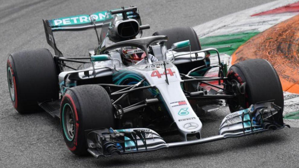 Numa corrida perfeita, Lewis Hamilton consegue uma vitória improvável na casa da rival Ferrari