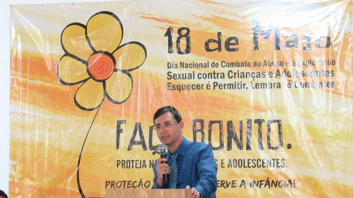 Dr. Leonardo Esteves