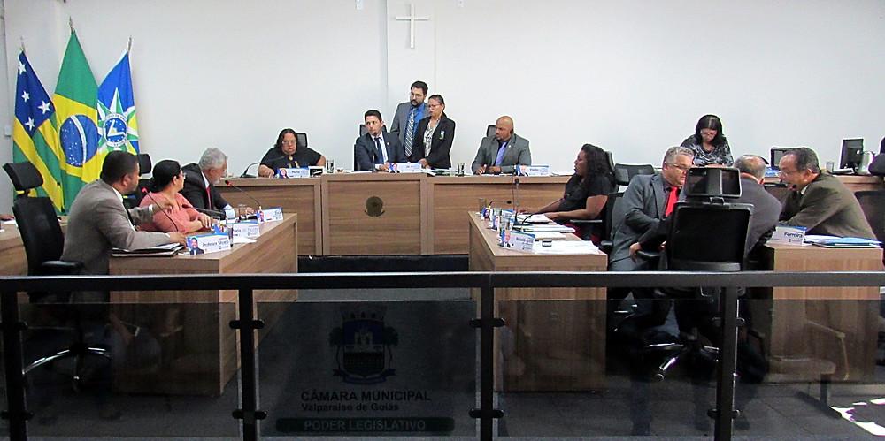 Câmara Municipal de Valparaíso adia decisão e vai aguardar parecer jurídico para dar posse, ou não, a suplente de vereador