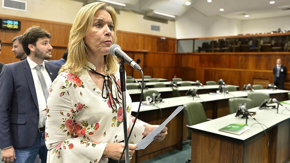Lêda Borges apresenta projeto de Lei para tornar os medicamentos de doenças crônicas, isentos de ICMS