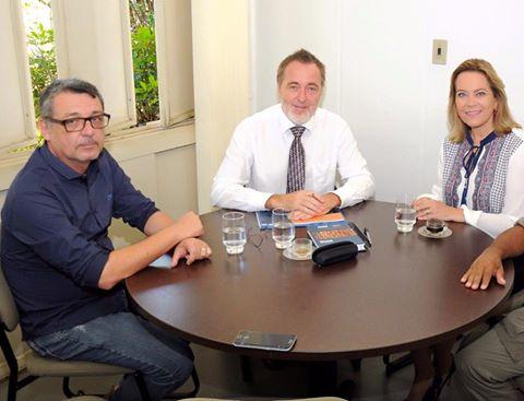 Leda Borges com Reitor da UEG