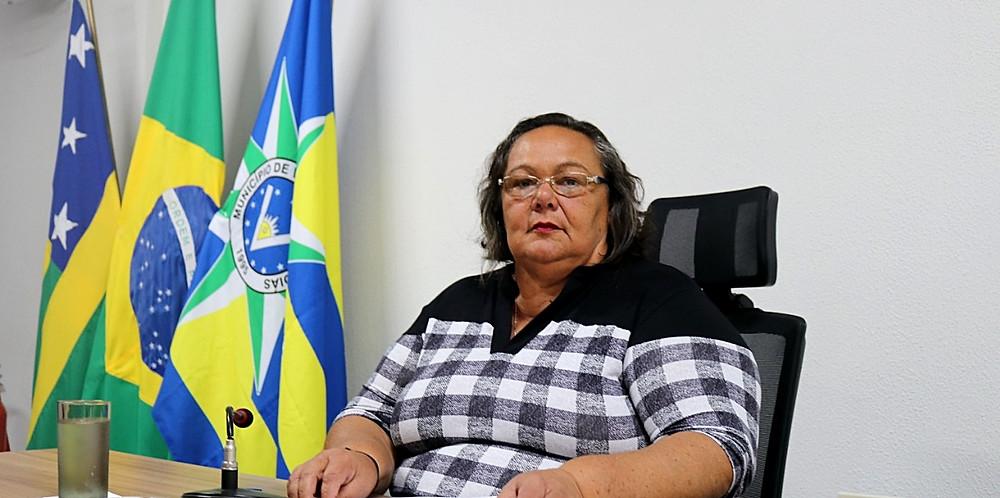 Vereadora Maria Neide vota contra um requerimento de cumprimento da Lei de Ficha Limpa em Valparaíso e justifica