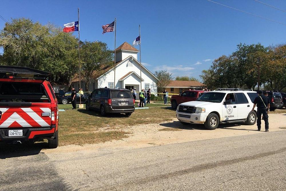 Em novo atentado, homem invade igreja e mata ao menos 20